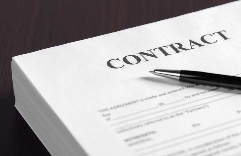 Contract Law Applied to Cohabiting Couple in Arizona.